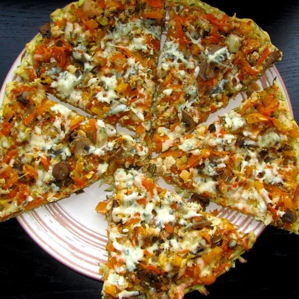 Pica ar vistas fileju un sēnēm