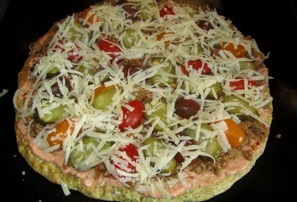 Brokoļu pica ar malto tītara gaļu