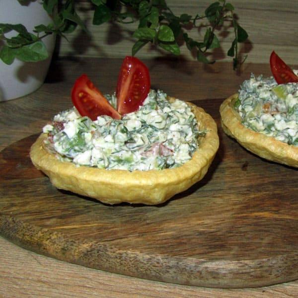 Avokado-tomātu-biezpiena salāti