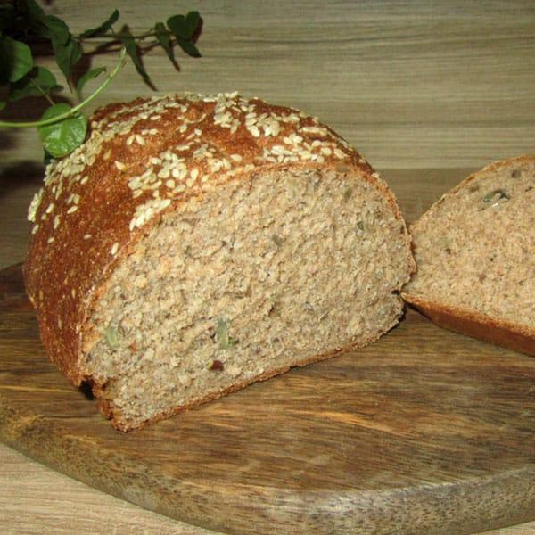 Gardā pilngraudu maizīte ar sēkliņām