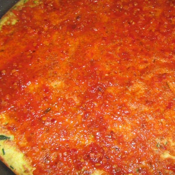 Pica ar šampinjoniem (pannā)