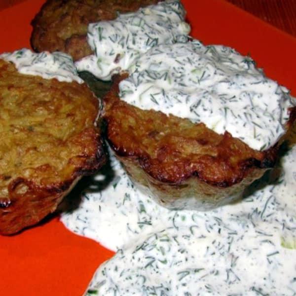 """Kartupeļu """"pankūkas"""" ar kūpinātu lasi"""