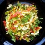 Svaigu kāpostu salāti ar Korejas burkāniem