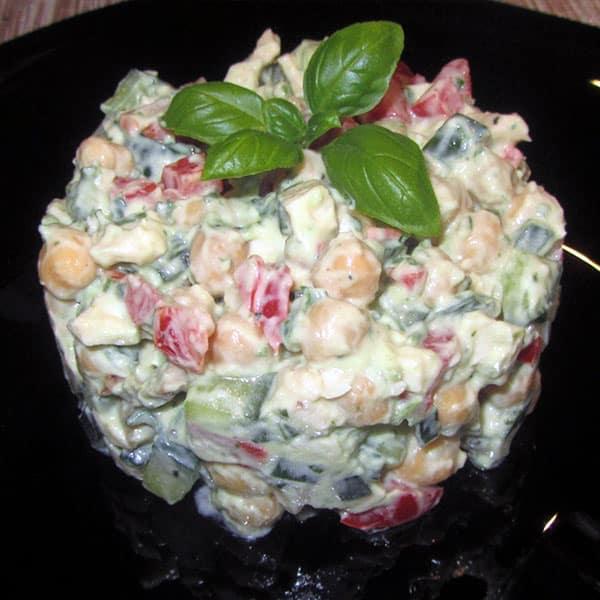 Turku zirņu salāti ar vistas gaļu