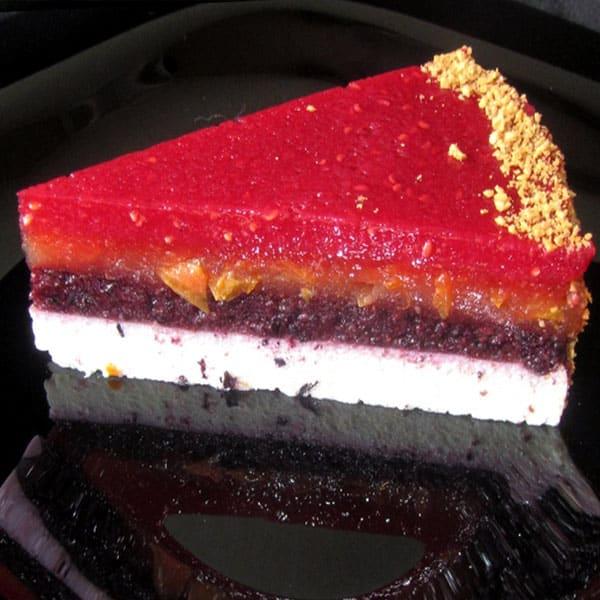 Biezpiena – ogu kārtainā deserta torte