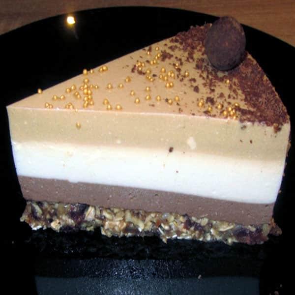 Cigoriņu kakao un baltās šokolādes torte