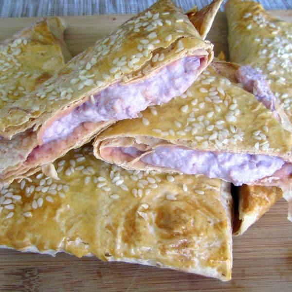 Lavaša pīrādziņi ar aveņu biezpienu