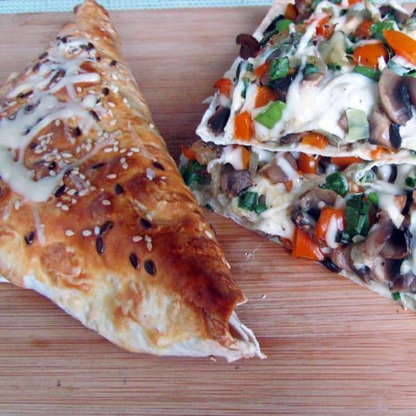 Lavaša pīrādziņš un pica ar sēnēm