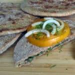 Pilngraudu plācenīši ar sieru un zaļumiem