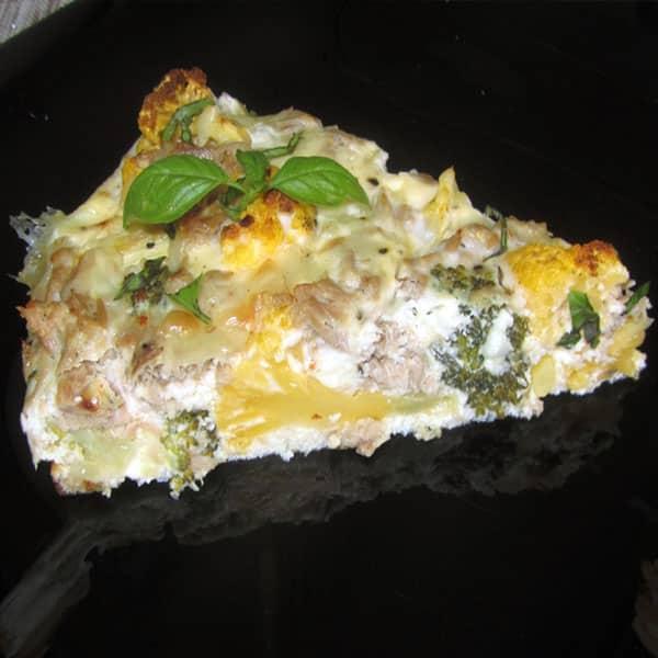 Tunča sacepums ar brokoļiem un dzelteno ziedkāpostu