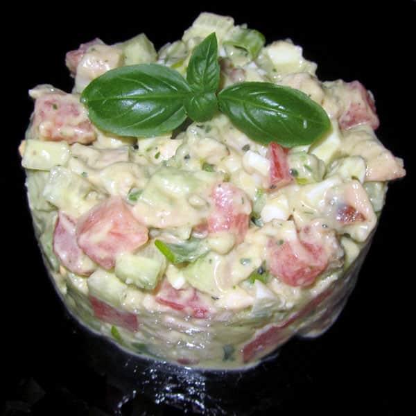 Vistas filejas salāti ar avokado mērci